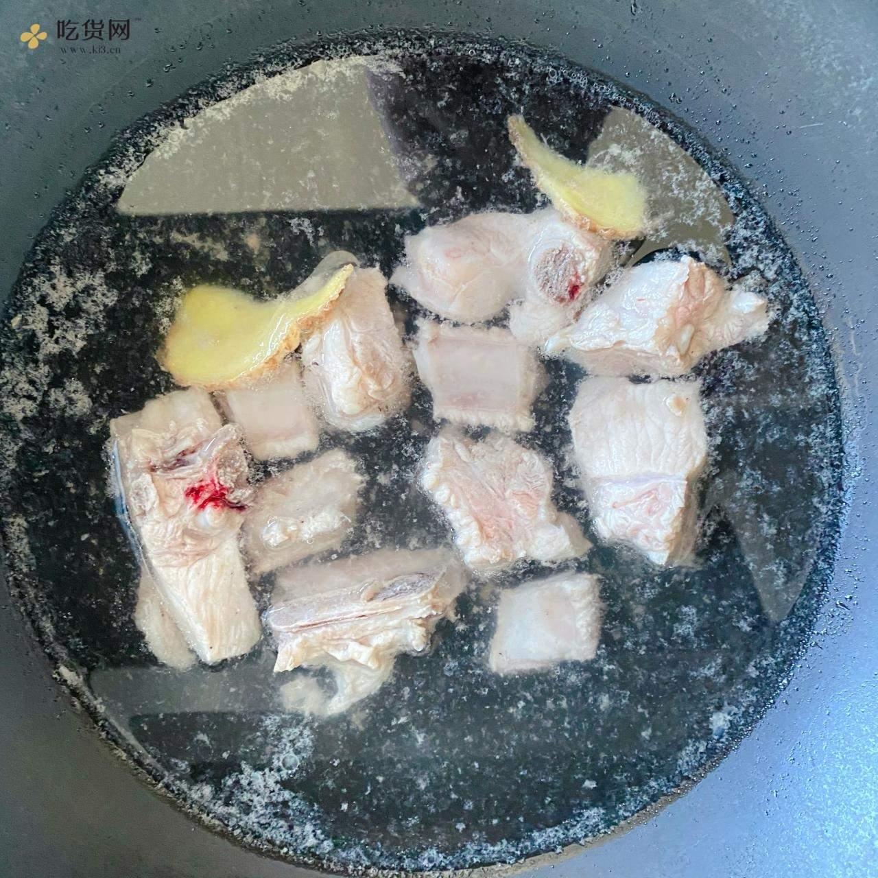红烧排骨炖土豆🥔的做法 步骤2