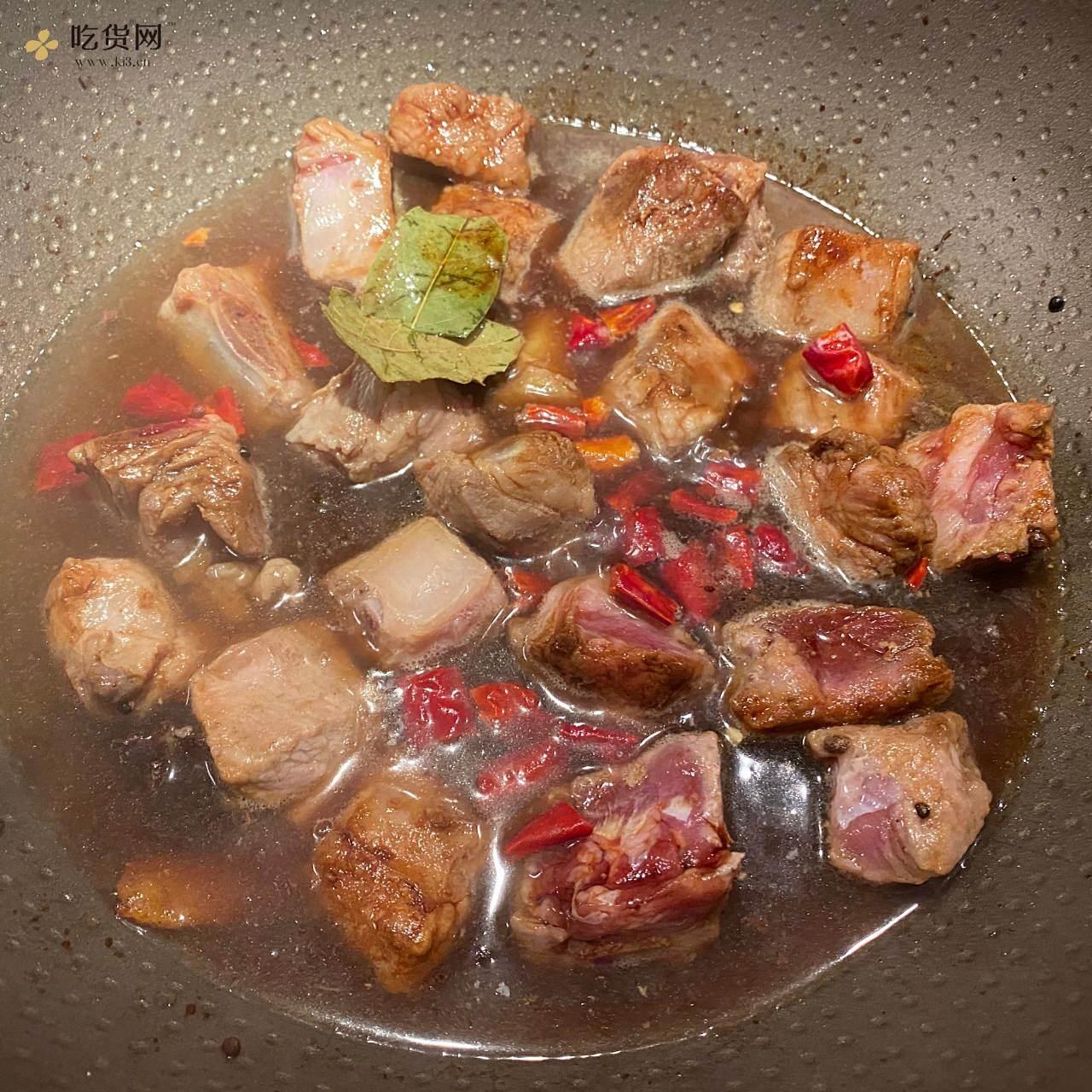 家常红烧排骨土豆的做法 步骤4