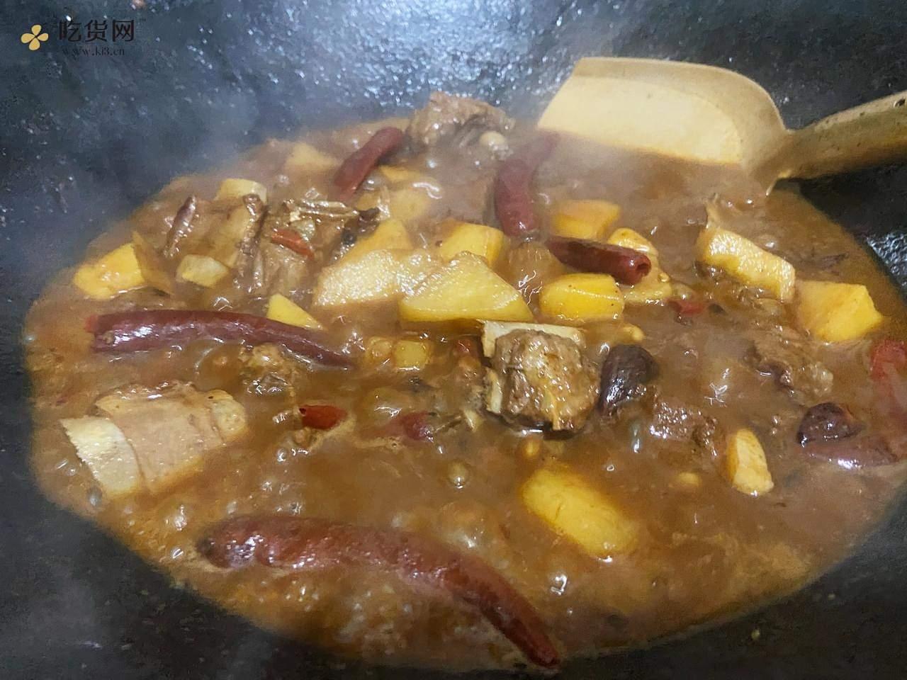 红烧排骨(排骨烧土豆)的做法 步骤10