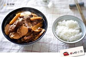 视频菜谱:红烧排骨炖冬笋豆腐棍的做法视频_做法步骤缩略图