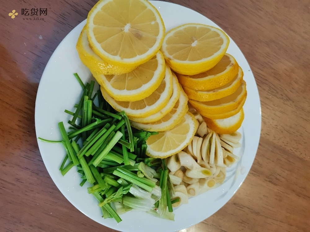 超级解馋的麻椒柠檬🍋鸡爪的做法 步骤2