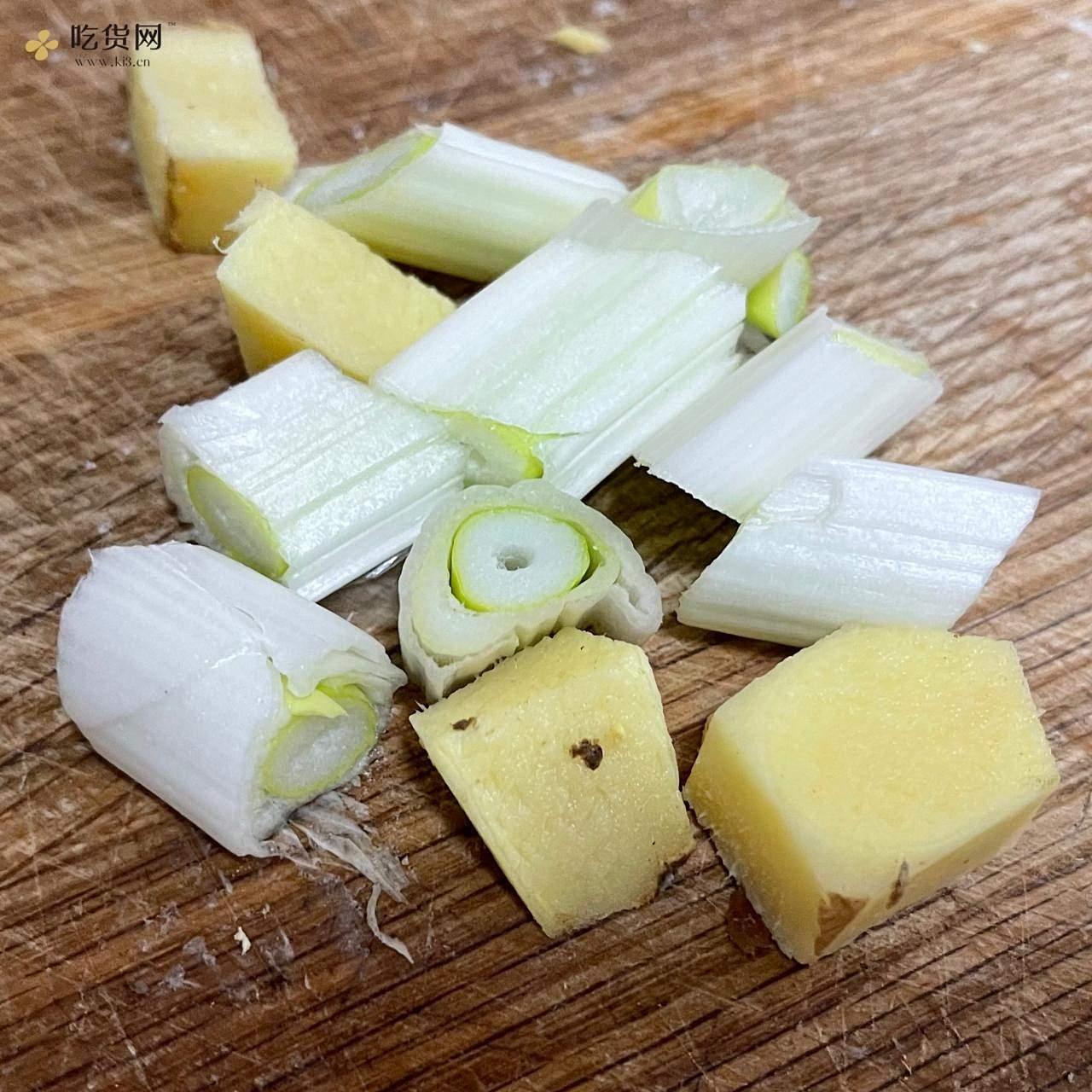🍋柠檬无骨鸡爪的做法 步骤2