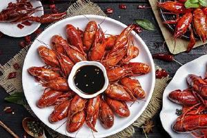 龙虾放到电冰箱里第二天吃行吗,龙虾能够过夜吃吗缩略图