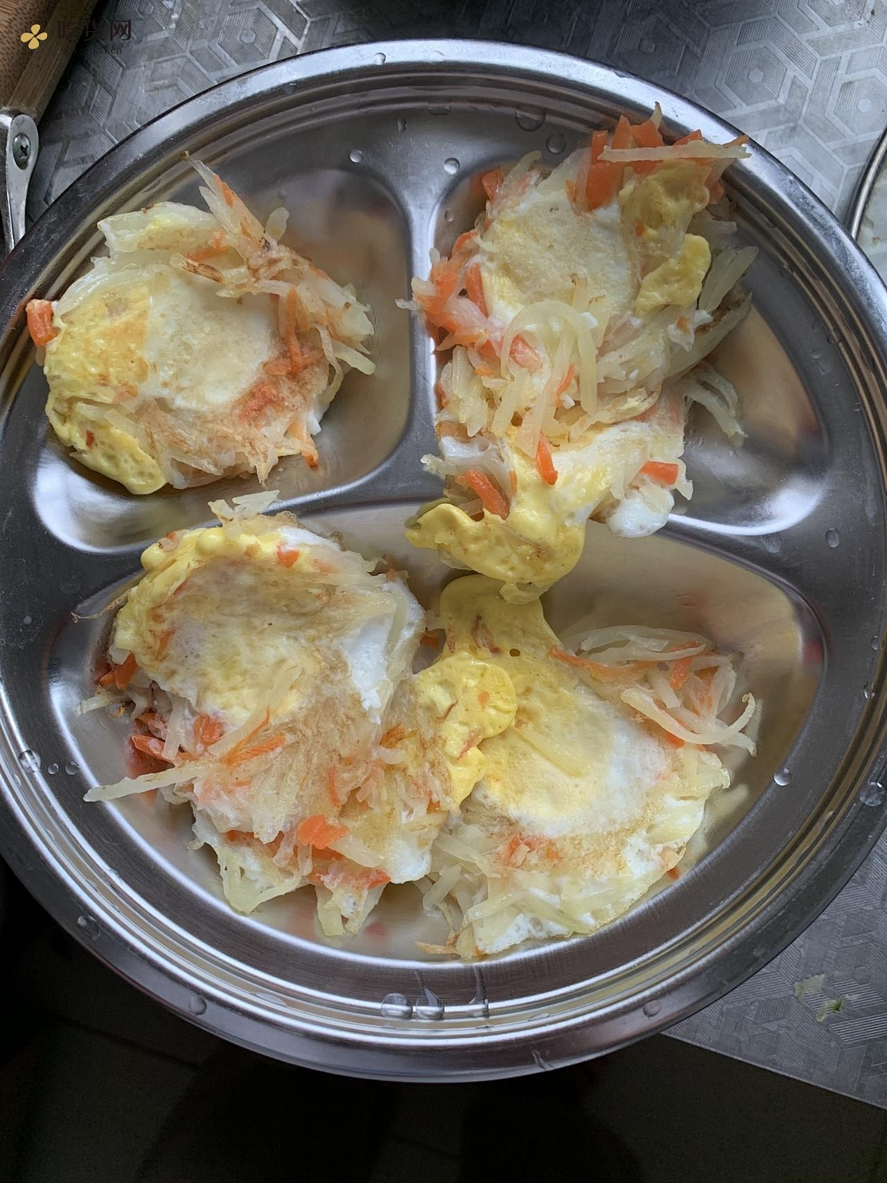 土豆丝鹌鹑蛋饼的做法 步骤9
