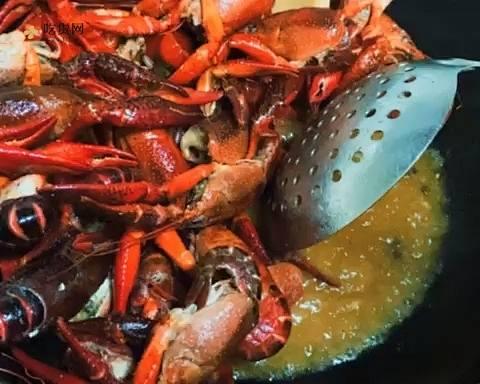 让你一学就会的吮指麻辣小龙虾的做法 步骤8
