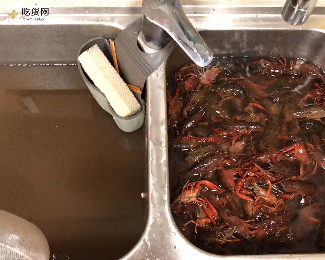超简单懒人麻辣小龙虾的做法 步骤1