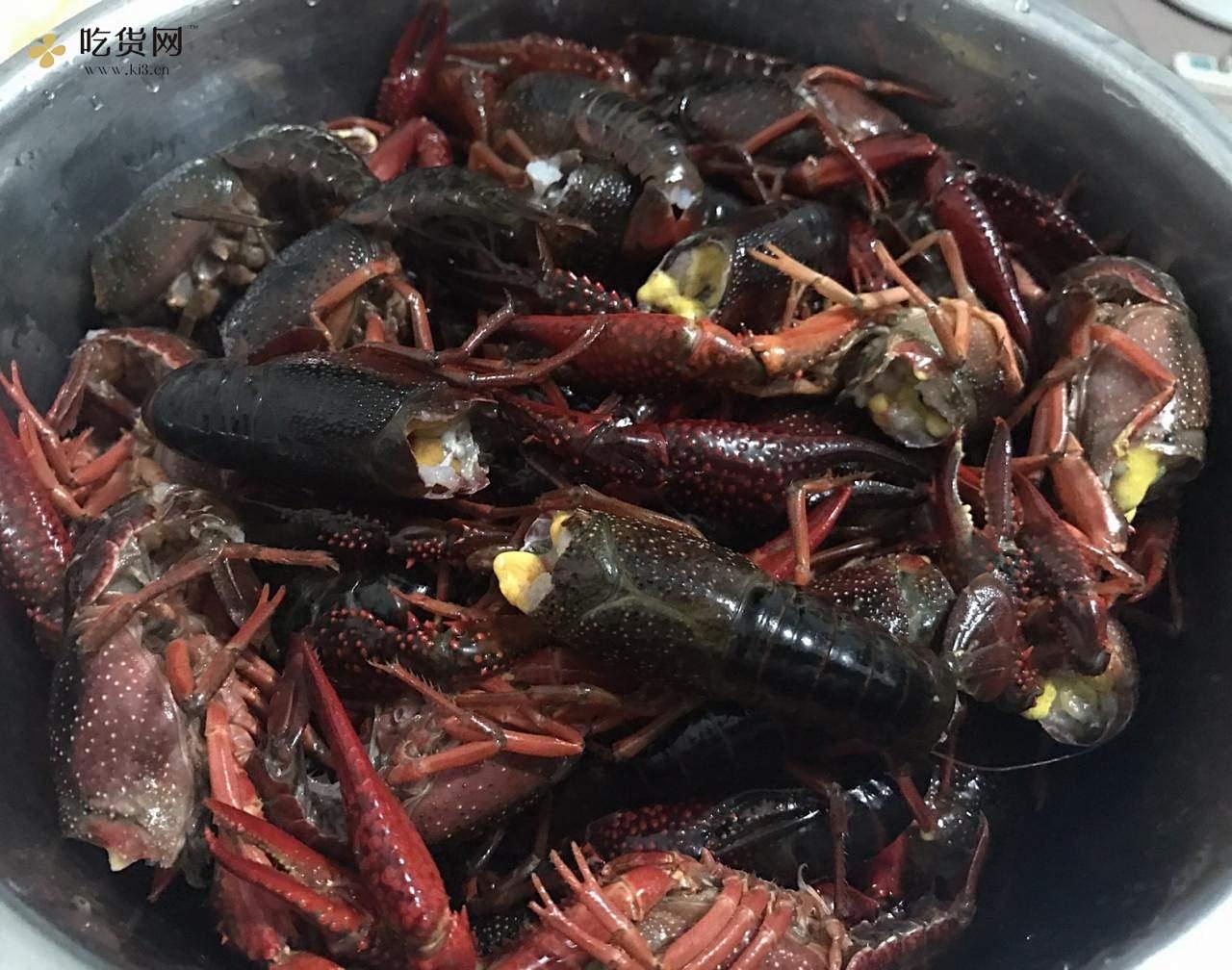 小龙虾比饭店还好吃的家常自制麻辣小龙虾的做法 步骤1