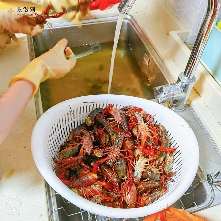 周末的麻辣小龙虾的做法 步骤3