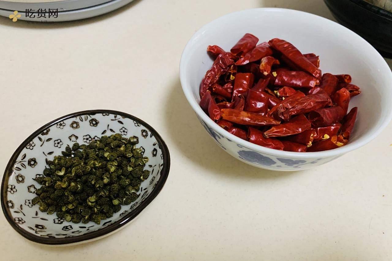 可做麻辣小龙虾的麻辣虾的做法 步骤4