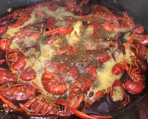 麻辣卤煮小龙虾的做法 步骤1