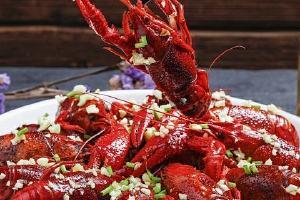 麻辣小龙虾配哪些副菜,麻辣小龙虾如何做缩略图