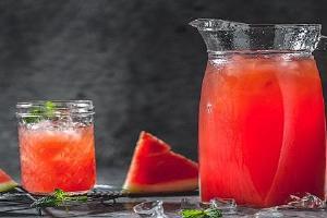 喝完酒西瓜汁能够醒酒,西瓜和什么一起打汁好吃缩略图