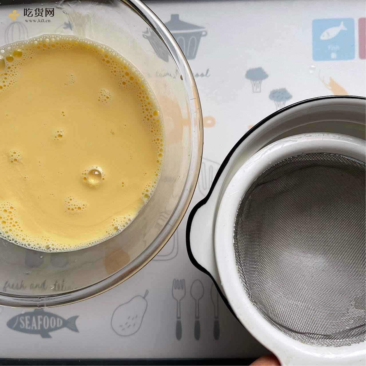 不用一滴水超级滑嫩的蒸鸡蛋羹的做法 步骤3