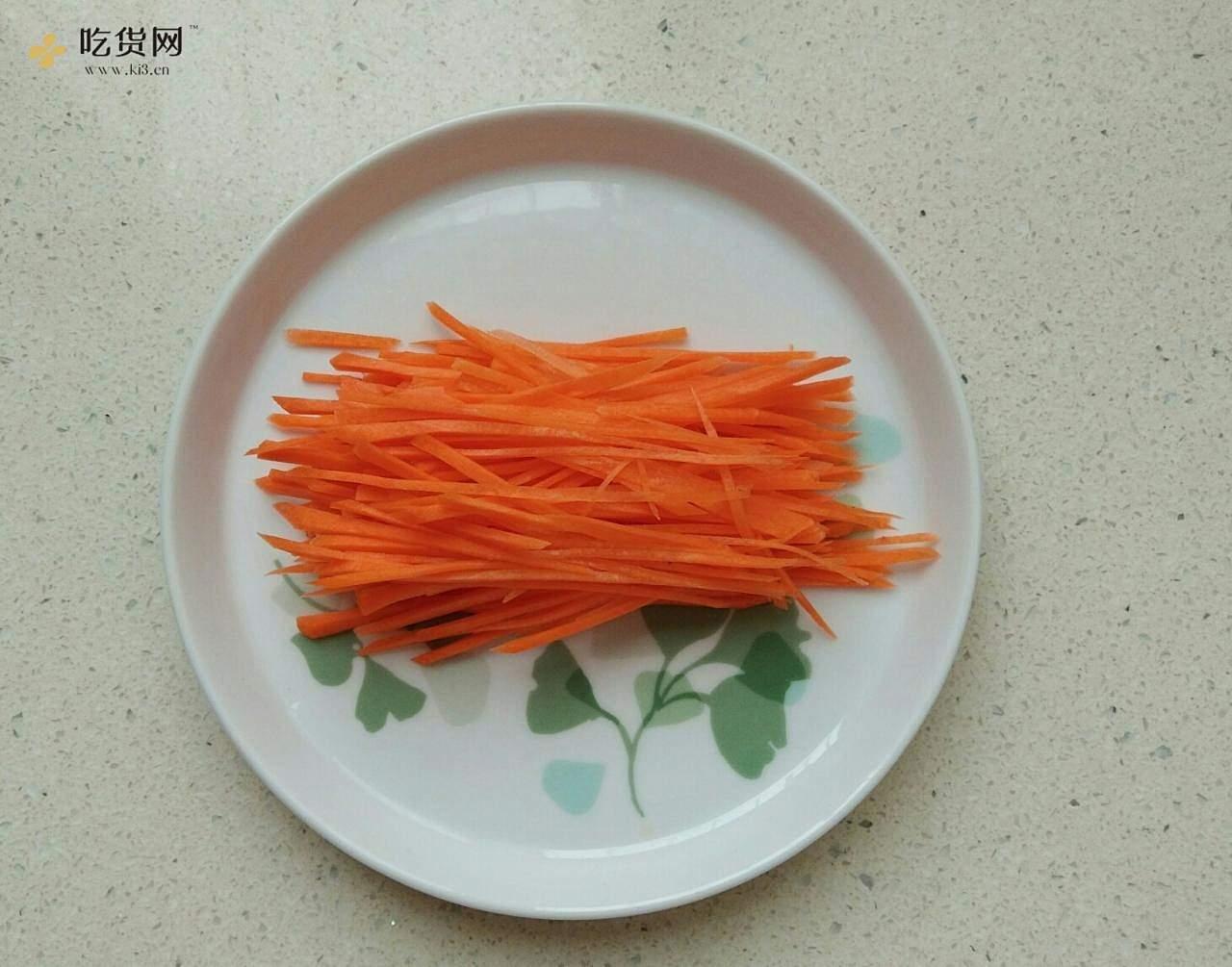 减脂,断糖也能吃的麻辣鸡丝凉面(西葫芦丝)的做法 步骤5