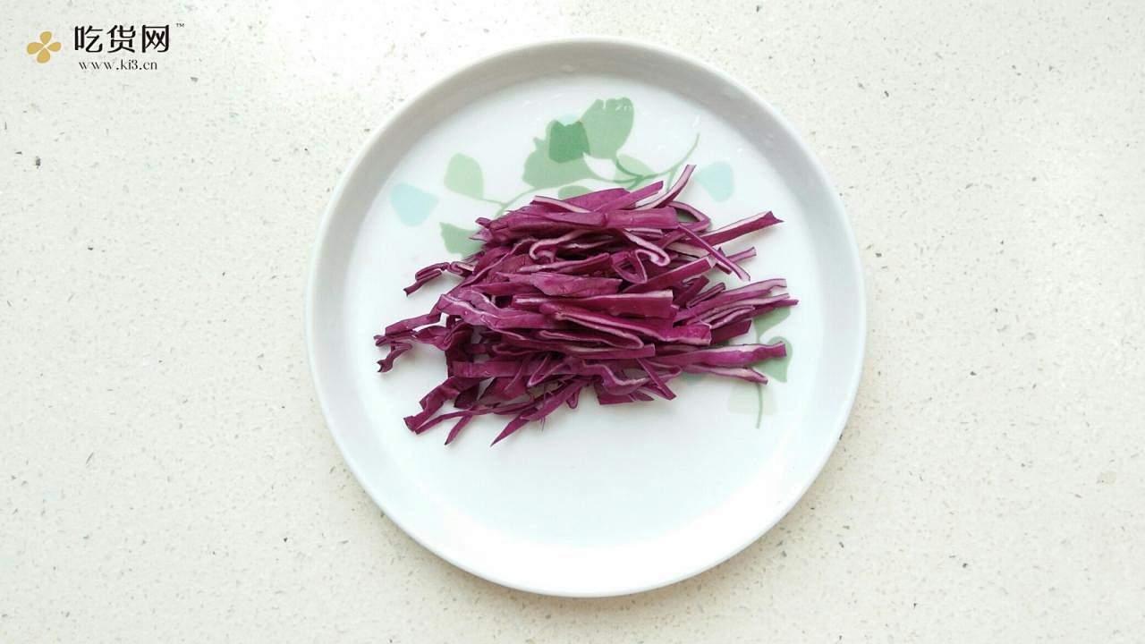 减脂,断糖也能吃的麻辣鸡丝凉面(西葫芦丝)的做法 步骤7