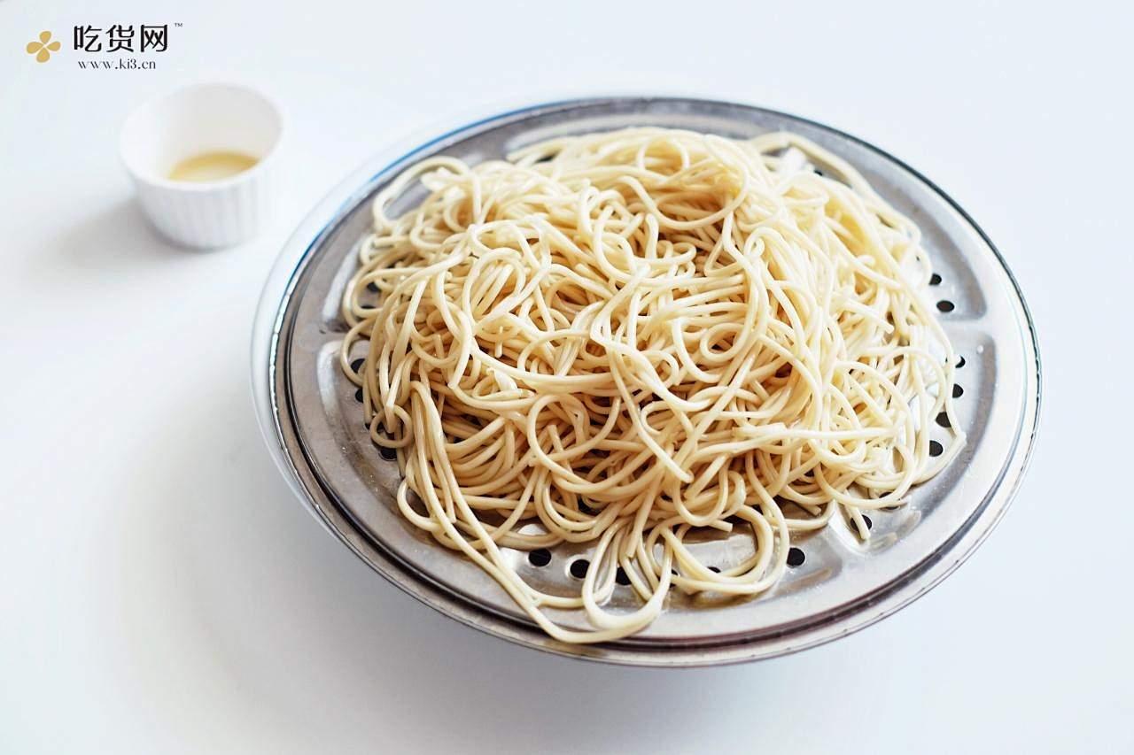小当家的中华鸡丝凉面的做法 步骤2