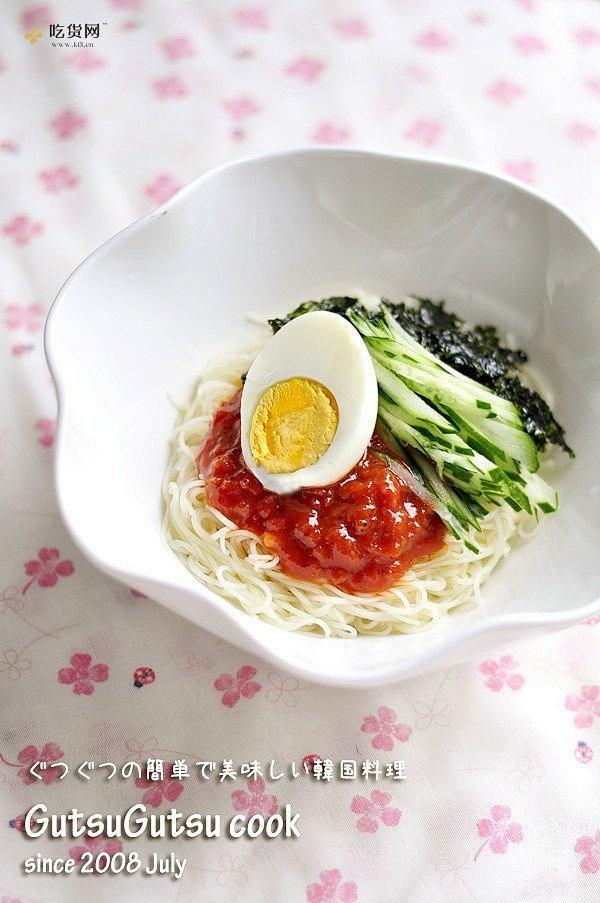 韩国料理——骨董面(비빔국수)的做法 步骤4