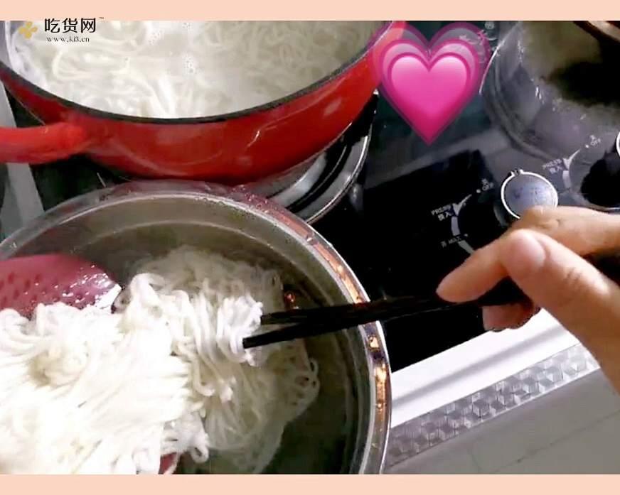 酸甜可口开胃的【鸡丝凉面】的做法 步骤7