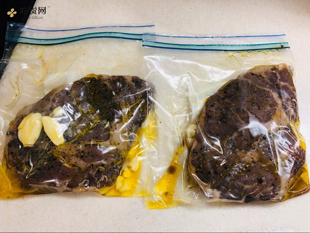 烤箱版低温牛排的做法 步骤2