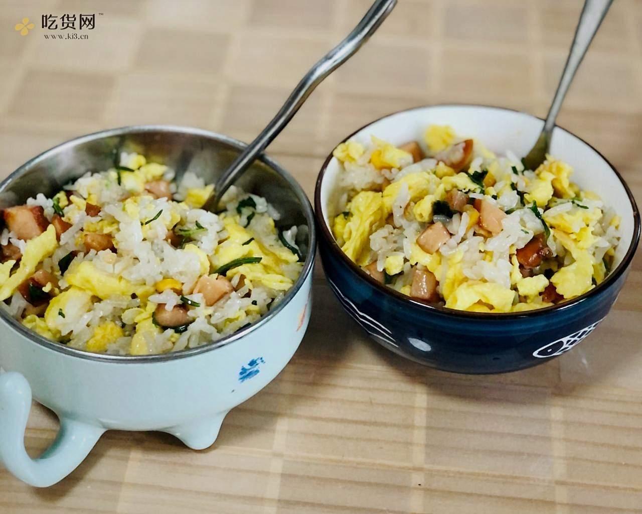 鸡蛋火腿肠炒饭的做法 步骤8