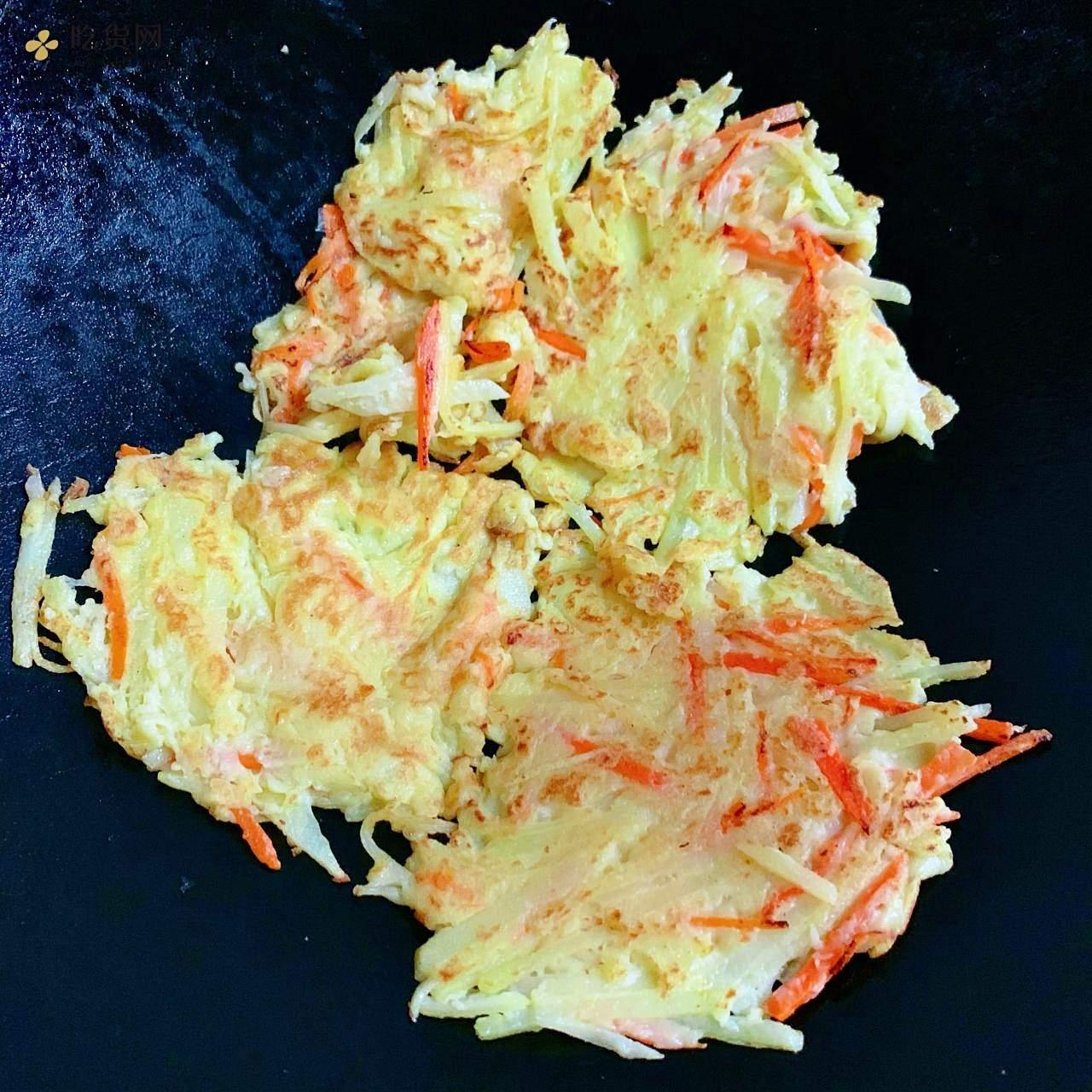 胡萝卜土豆饼的做法 步骤5