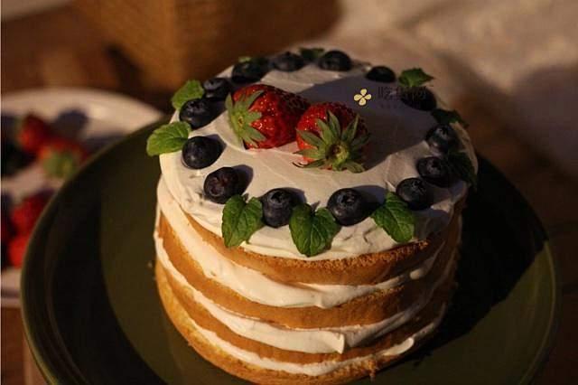 奶油装饰裸蛋糕(简易版)的做法 步骤5