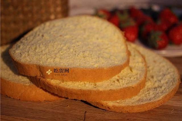 奶油装饰裸蛋糕(简易版)的做法 步骤1