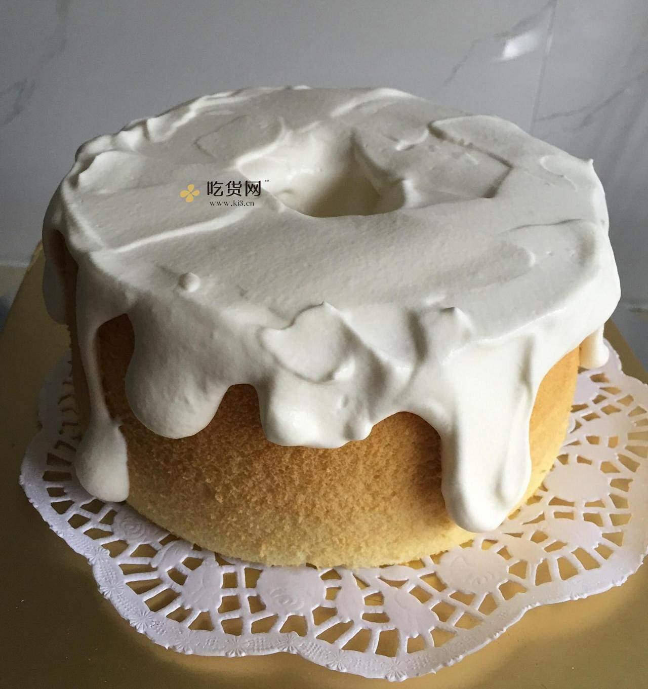 圣诞草莓雪人裸蛋糕~超简单懒人版的做法 步骤3