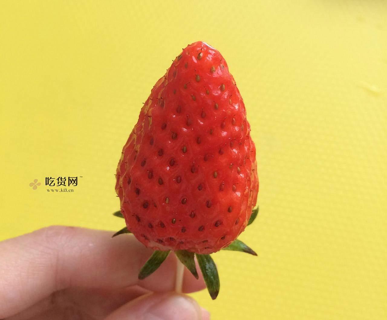 ❤草莓之恋❤情人节草莓玫瑰花的做法 步骤1