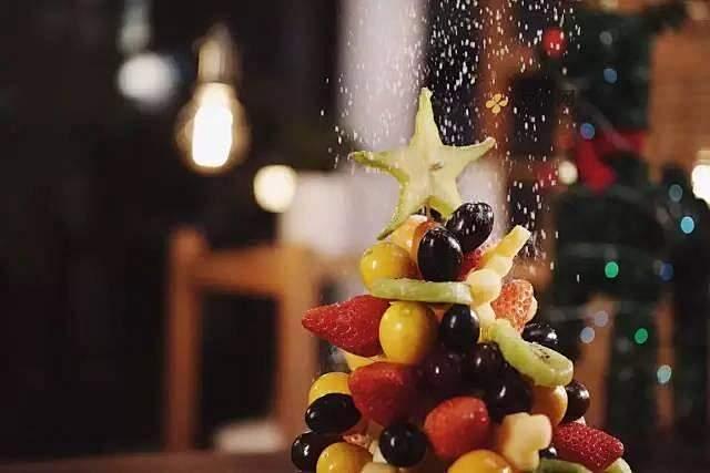 【水果圣诞树】的做法 步骤3