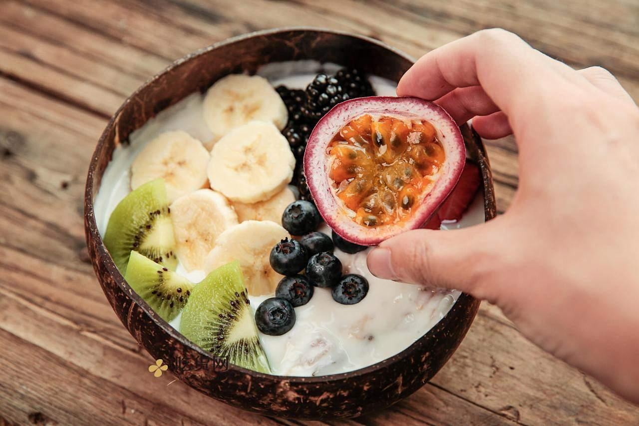美味健康快手甜品 Vogel's沃格尔鲜果酸奶谷物麦片碗的做法 步骤10