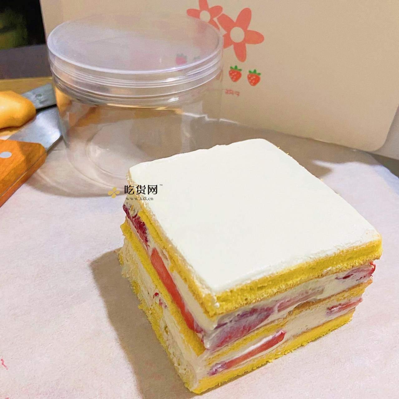 草莓蛋糕的做法 步骤3