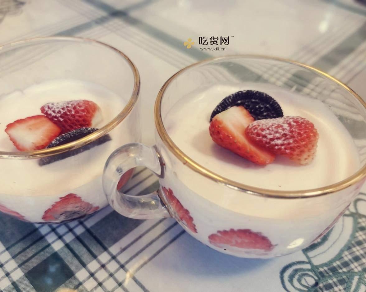草莓酸奶慕斯的做法 步骤8