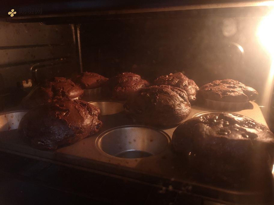 超快手的巧克力马芬的做法 步骤4