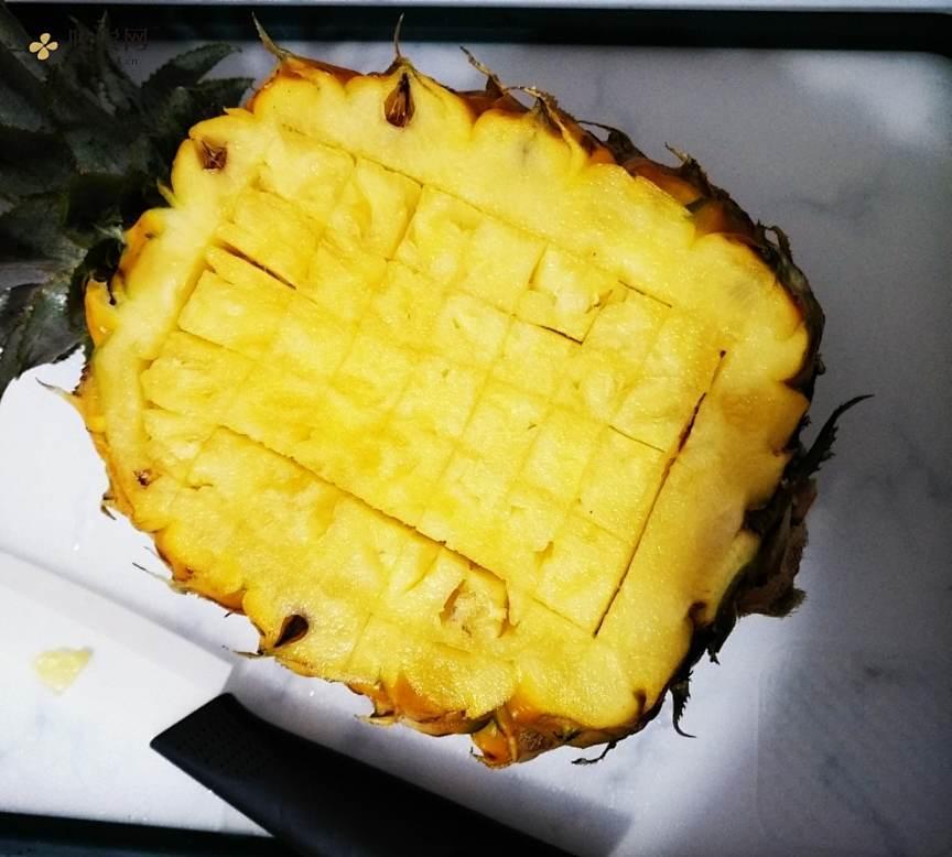 菠萝炒饭的做法 步骤2