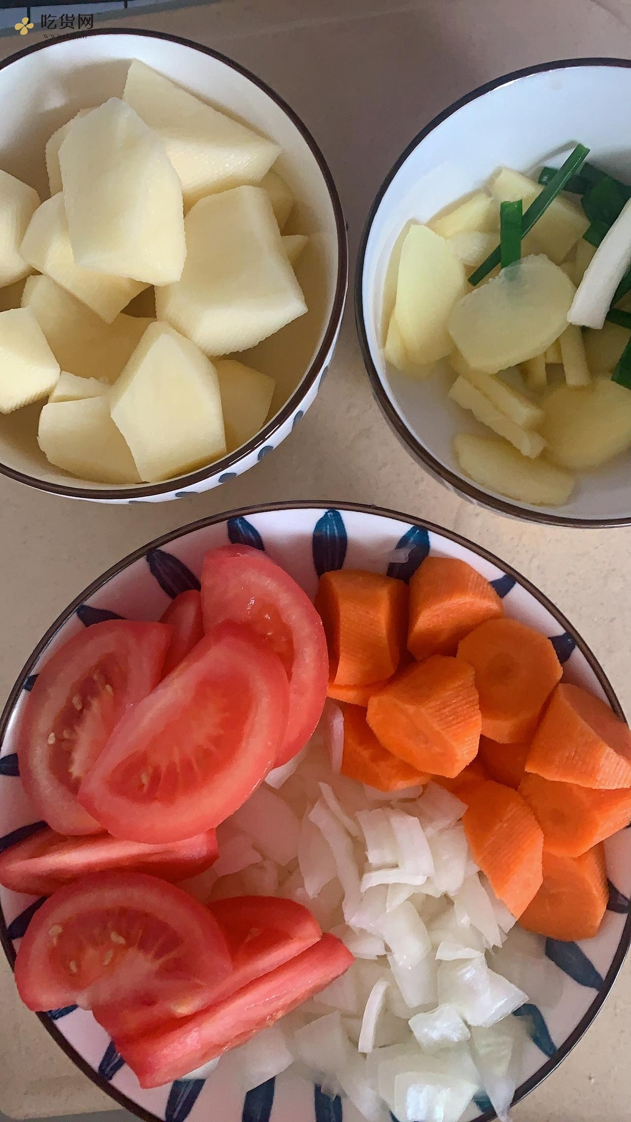 上班族快手减肥餐之电饭煲土豆牛肉粒的做法 步骤2