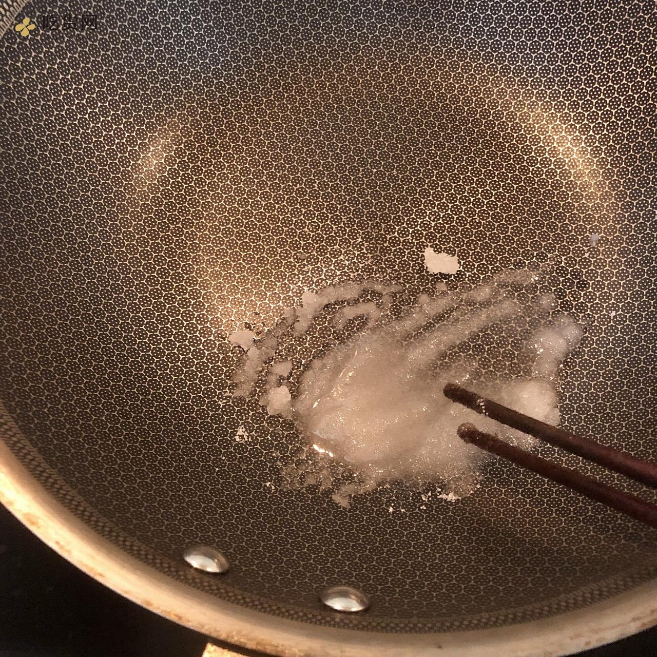 不输饭店的糖醋排骨的做法 步骤6