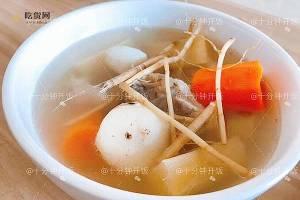 这份广东靓汤帮你清热解毒,消食除胀———甘蔗马蹄茅根骨头汤的做法步骤图缩略图