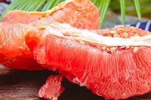剥了皮的柚子放在冰箱可以放多久,剥了皮的水果不放冰箱可以放多久缩略图