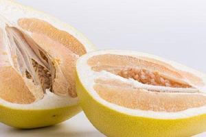 柚子是凉性还是热性,柚子是什么季节的水果缩略图