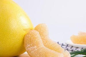 柚子能不能空腹吃,吃柚子的好处缩略图