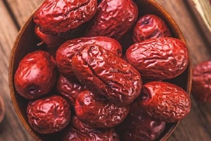 如何把干硬大红枣变软,枣子怎么晒成红枣缩略图