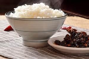 三颗红枣的热量等于一碗米饭吗,红枣和米饭哪个热量高缩略图