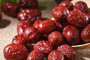 红枣不能和什么一起吃,哪些人不适合吃红枣缩略图