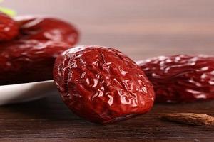 吃红枣补血效果怎么样,红枣和什么泡水喝补气血缩略图