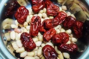 红枣和花生能丰胸吗 花生和大枣怎么吃比较丰胸缩略图