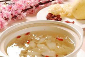 银耳红枣汤什么时候喝最好,银耳红枣汤什么季节喝缩略图