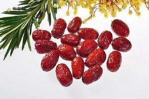红枣的吃法大全 红枣别再干吃了,这样吃养肝排毒、血管通畅!缩略图