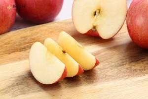 苹果长黑斑了能吃吗,苹果切开有黑斑能吃吗缩略图