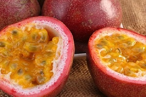 百香果的籽要不要嚼,百香果吃籽还是吃皮缩略图